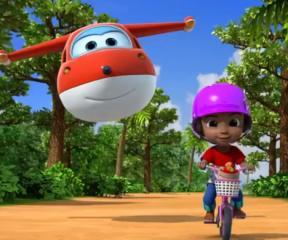 Ben 10 Yüzen Bisiklet
